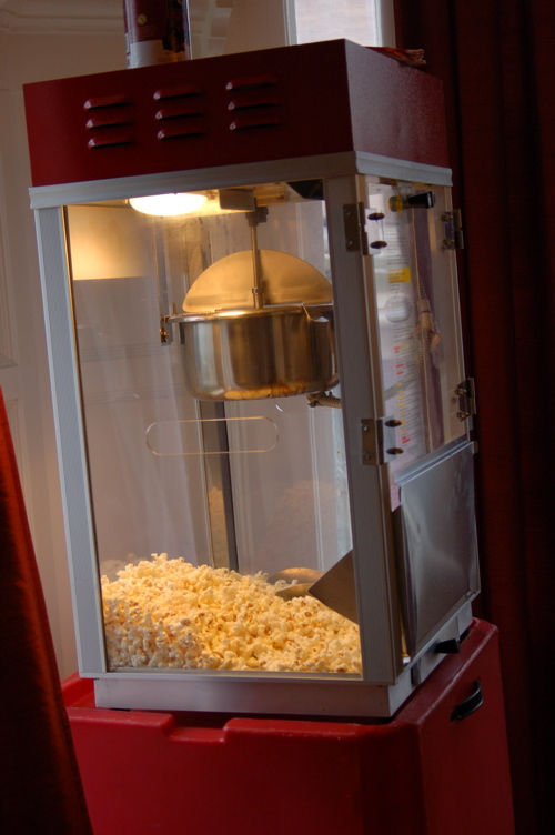 How Cute Is This Popcorn Machine? Just Like Being At The Theater!